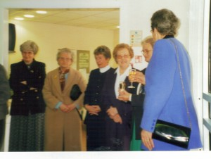 Archive 1997-99  37 X Ray Committee Celebrate